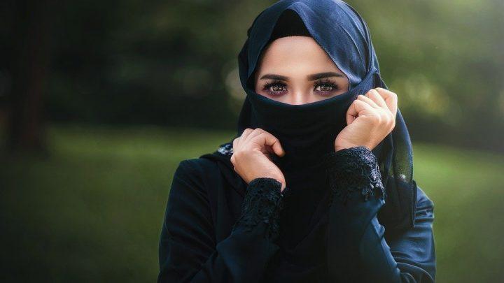 Hidjab et Abaya